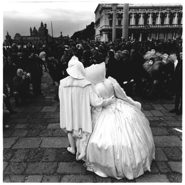 venice-white-carnevale
